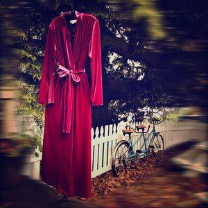 Velvet Oscar de la Renta Robe
